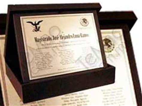 reconocimientos en metal placa diplomas