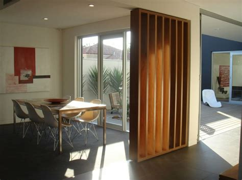 Moderne Und Kreative Innenraum Holztreppenspiraltreppe Aus Holz by 67 Tolle Designs Vom Raumtrenner Aus Holz Archzine Net