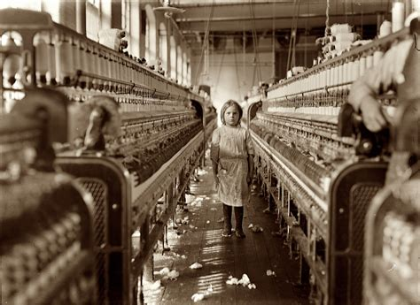 Le Usine Vintage by The Reel Foto Lewis Hine The Littlest Laborers