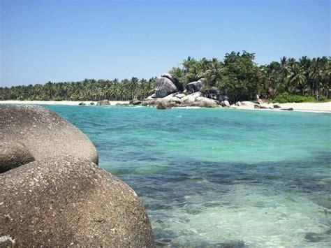 pantai siangau cantiknya panaroma bahari di bangka