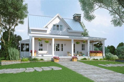 5 Bedroom Two Story Modern Farmhouse with Wraparound Porch