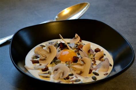 matignon cuisine matignon de petits légumes jaune d œuf frais condiments