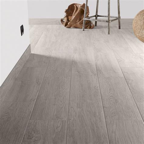 carrelage sol et mur gris perle effet bois helsinki l 20 x l 60 4 cm leroy merlin