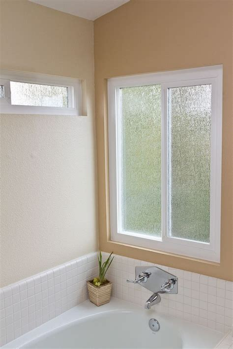 rain patterned obscure privacy glass compliments