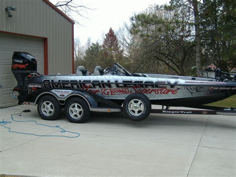 Bass Boat Garage Ideas by 35 Best Images About Fishing On Vinyls The