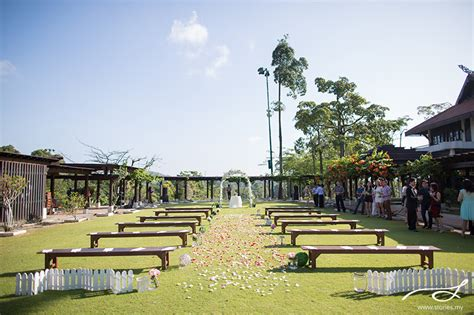 garden wedding  pulai springs resort jb andrew