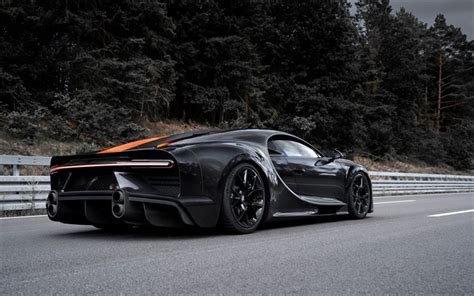 Bugatti will start chiron pur sport production in the second half of 2020. Download wallpapers Bugatti Chiron Super Sport 300, 2020, rear view, carbon hypercar, tuning ...