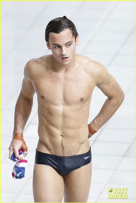 diver tom daley explains why he wears tight speedos 975145 gallery just jared jr