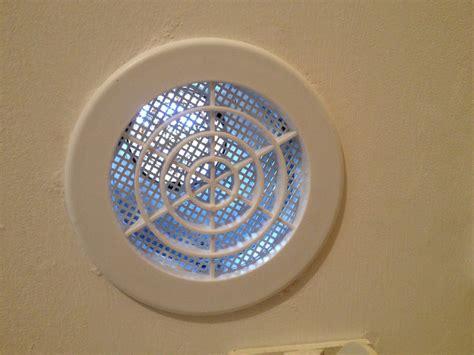 grille aeration chambre vmi pour problème de moisissures page 2
