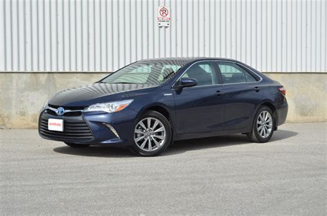 Review Toyota Camry Hybrid by 2015 Toyota Camry Hybrid Review Autoguide News