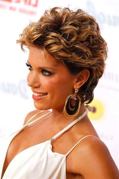stunning short haircuts  women   edgy  feminine vibe short hair cuts women