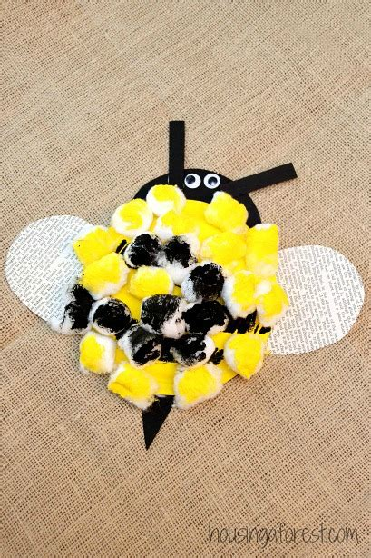 bumble bee preschool craft housing a forest 315 | Paper Plate Bumble Bee Easy Preschool Craft 2