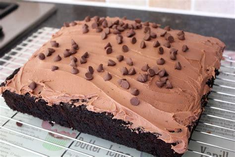 chocolate courgette cake recipe   veggie