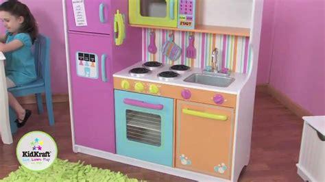 grande cuisine kidkraft kidkraft grande cuisine de luxe aux couleurs vives 53100
