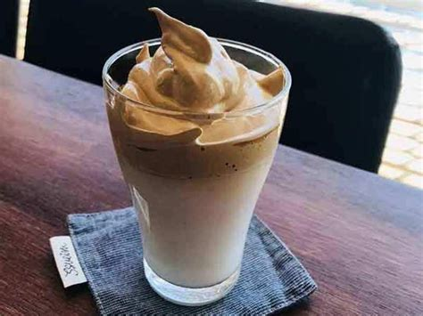 Whisk until there are stiff peaks. Ultimate TikTok Viral Coffee   Dalgona Coffee   Recipe in 2020   Coffee recipes, Hot chocolate ...