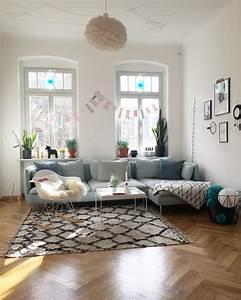 Teppich Unter Sofa : teppich bilder ideen couchstyle ~ Frokenaadalensverden.com Haus und Dekorationen