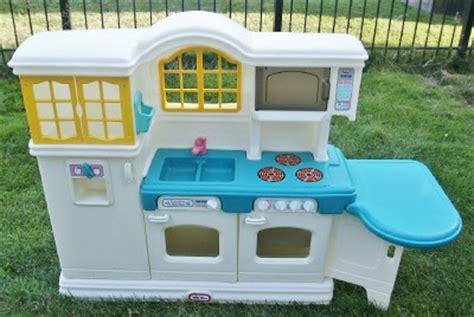 tikes country kitchen price tikes country kitchen ebay 9045