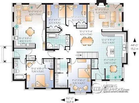 plan maison plain pied 6 chambres lzzy co