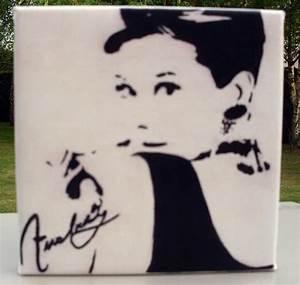 Tableau Deco Noir Et Blanc : tableau audrey hepburn noir et blanc photo de tableaux home d co kr attitude ~ Melissatoandfro.com Idées de Décoration