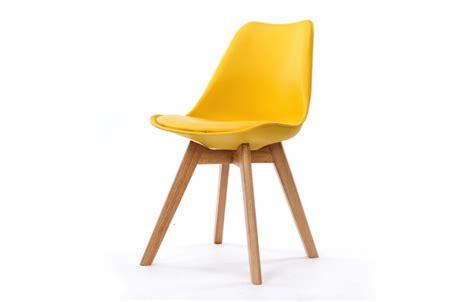 chaise avec pied en bois chaise scandinave et pieds en bois scany lot de 2