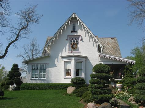 revival house file gothic revival house fredericktown jpg wikimedia commons