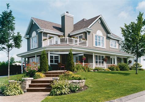 homes  beautiful wrap  porches housely
