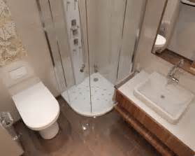 modernes bad weiss beige 33 ideen für kleine badezimmer tipps zur farbgestaltung