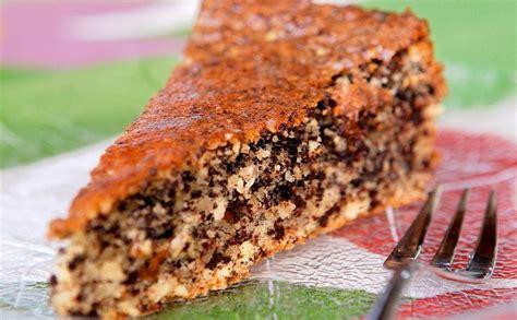 Mandeļu šokolādes kūka — Santa