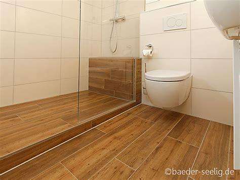 Tolle Ausstrahlung Holz Im Bad by Badezimmer Boden Holzoptik Bodenfliesen In Holzoptik F R
