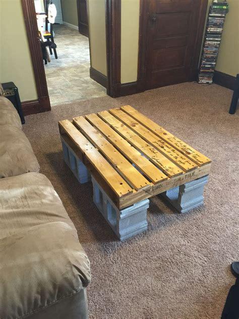 pallet  cinder block coffee table pallet furniture