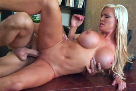 Pierced Moms Pounding On The Office Diamond Foxxx Classy Bitch With Monster Balloons Fucked In