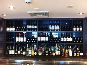 Bar Meuble Ikea : expedit back bar wine display ikea hackers ~ Teatrodelosmanantiales.com Idées de Décoration
