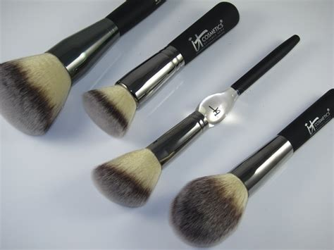 It Cosmetics Heavenly Luxe Brushes Review