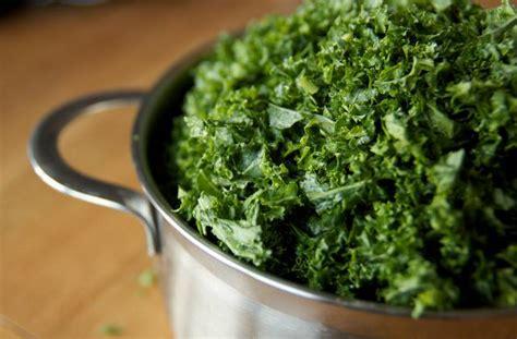 comment cuisiner le chou chinois le kale comment cuisiner ce chou frisé madmoizelle