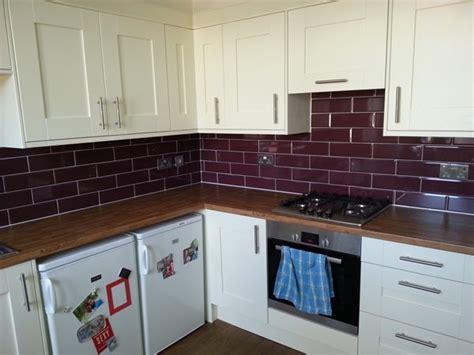 burgundy kitchens    love