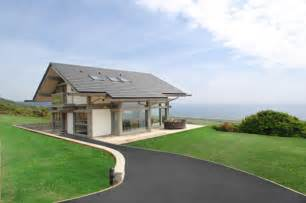 Small Coastal Homes small minimalist cottage house in uk designrulz