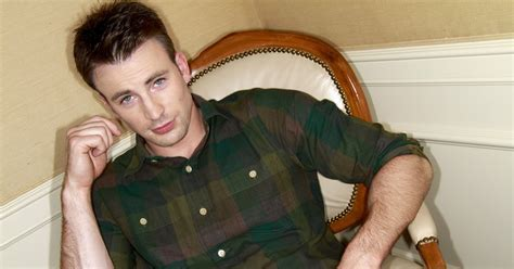 Chris Evans thanks fans for support after nude-photo ...