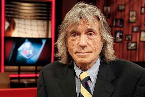 Johannes gerrit johan derksen (born 31 january 1949) is a dutch sports journalist and former football player. dumpert.nl - Johan Derksen zonder snor