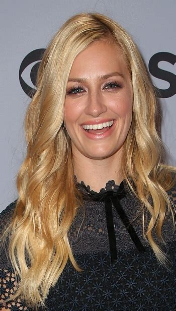 hairstyles beth behrs long curled hairstyle