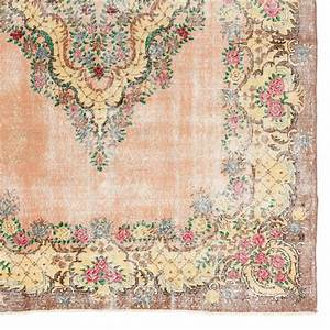 Shabby Chic Floral Ghiordes Rug For Sale at 1stdibs
