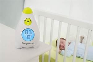 Charmant thermometre hygrometre chambre bebe 2 babymoov for Thermometre hygrometre chambre bebe