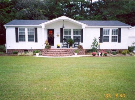 25+ Best Ideas About Mobile Home Landscaping On Pinterest