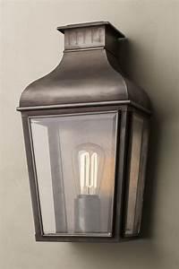 Lanterne Exterieur A Poser : lanterne d 39 ext rieur en bronze antique montrose city small ~ Dailycaller-alerts.com Idées de Décoration