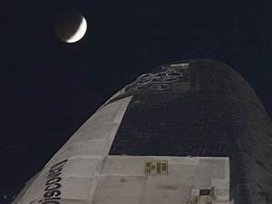 Beautiful Blood Red Moons: Tetrad of Lunar Eclipses [20 PICS]