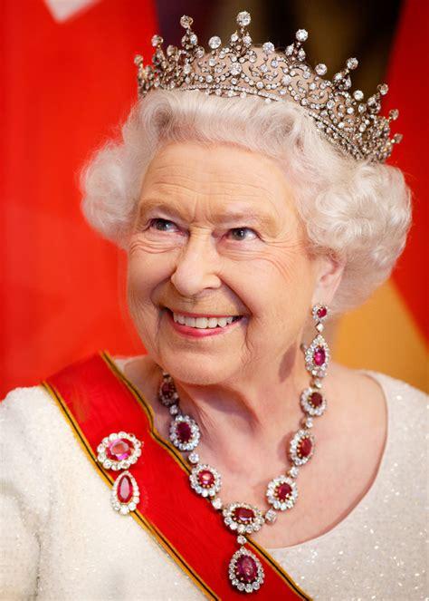 heres    score   queen elizabeths