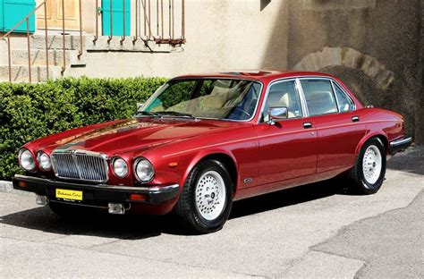 coolest jaguar sovereign the 25 best jaguar xj12 ideas on jaguar
