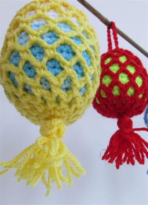 outdoor christmas tree bauble crochet pattern
