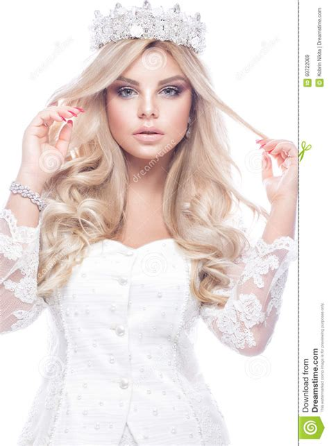 beautiful blondie girl model  lace wedding dress