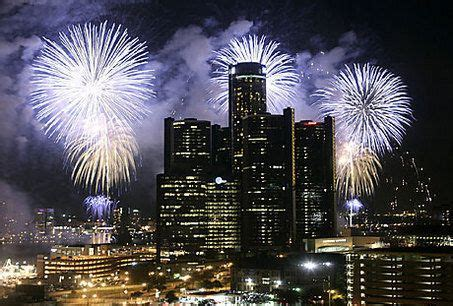 detroit fireworks  oohs ahhs