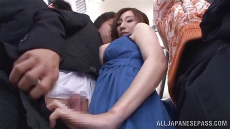 Julia Xx In Japanese Hottie Gives A Great Handob On The